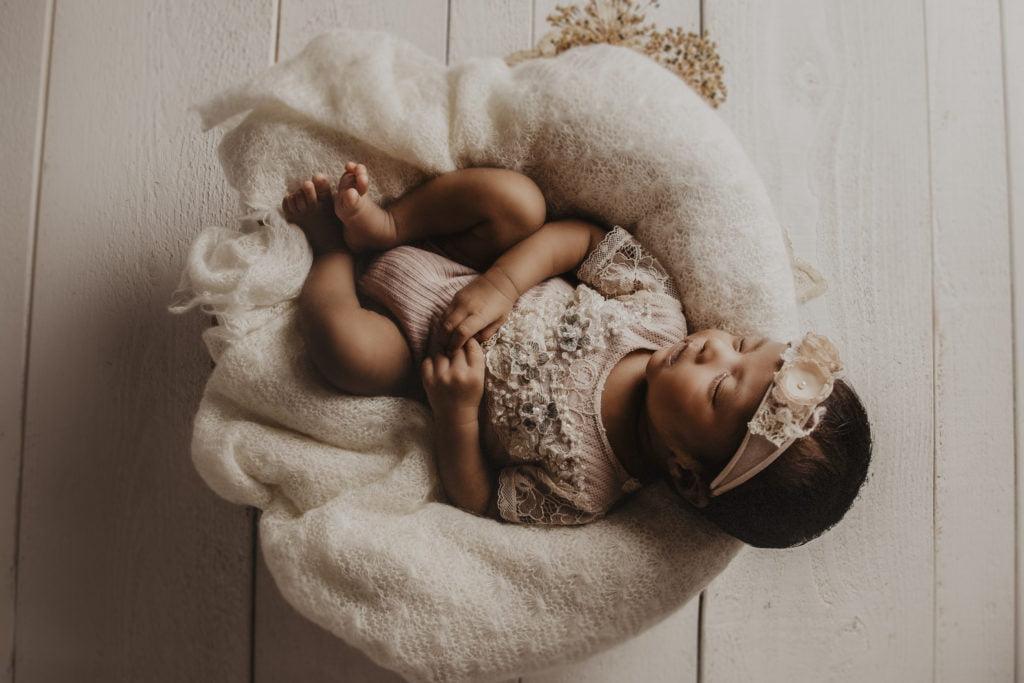 En nyföddfotografering i myshörnan 8
