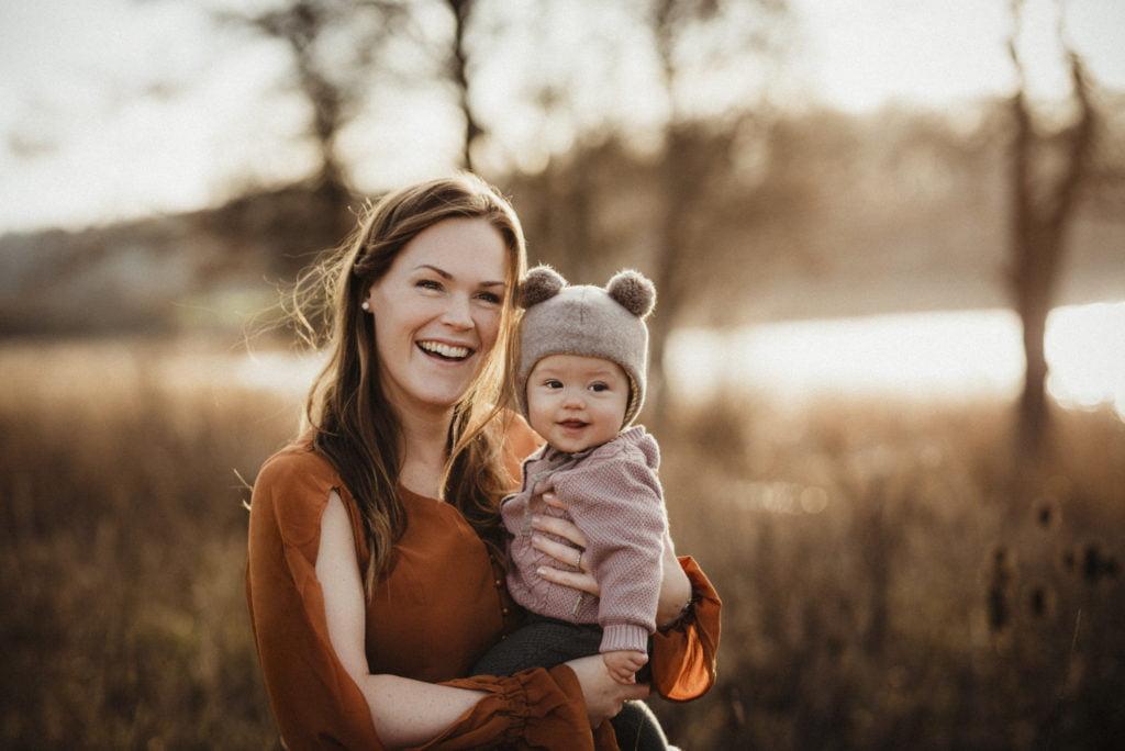En familjefotografering i den gyllenbruna senhösten 4