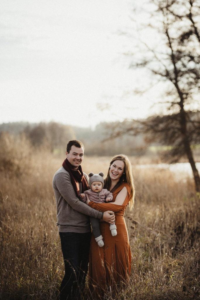 En familjefotografering i den gyllenbruna senhösten 2