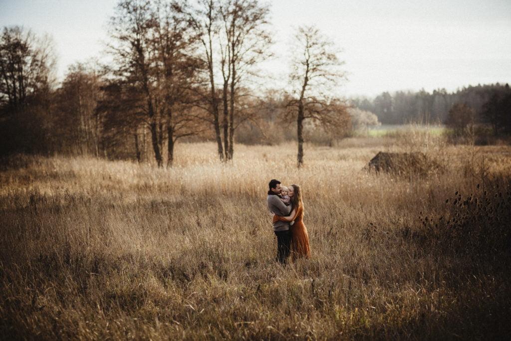 En familjefotografering i den gyllenbruna senhösten 1