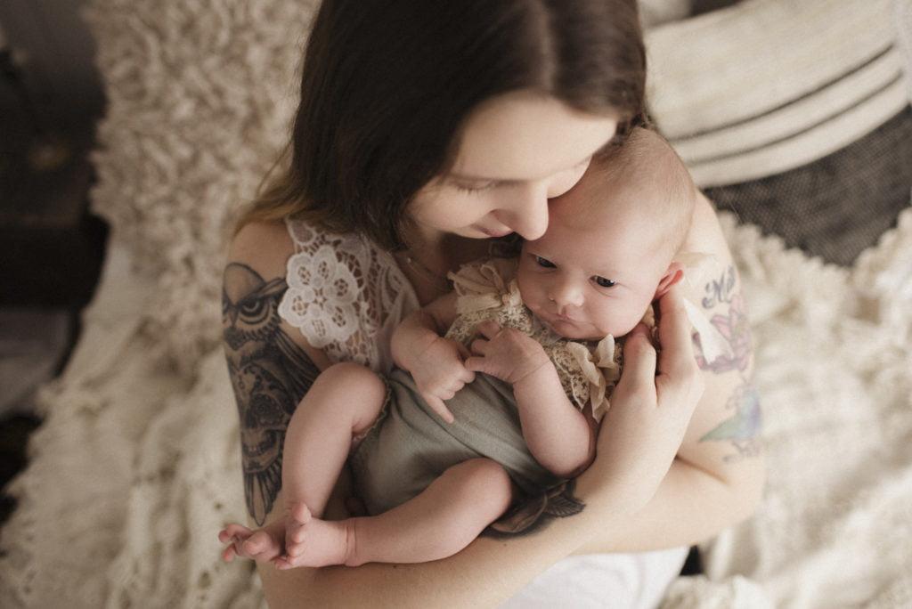 Nyföddfotografering Stockholm Uppsala - En liten Hailey 6