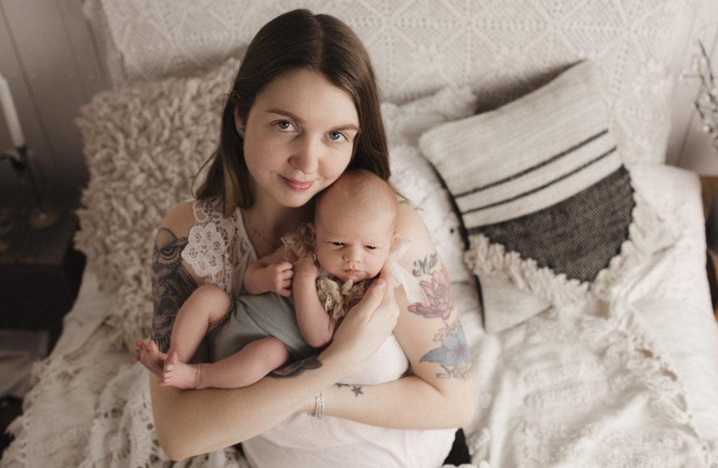 Nyföddfotografering Stockholm Uppsala - En liten Hailey 8
