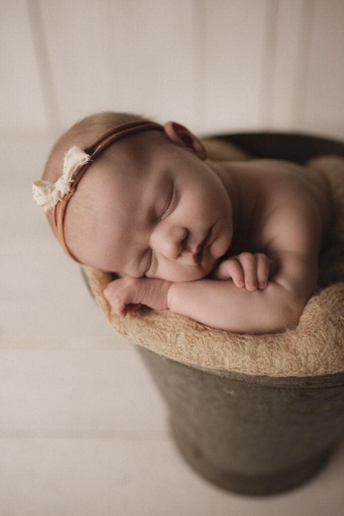 Nyföddfotografering Stockholm Uppsala - En liten Hailey 12