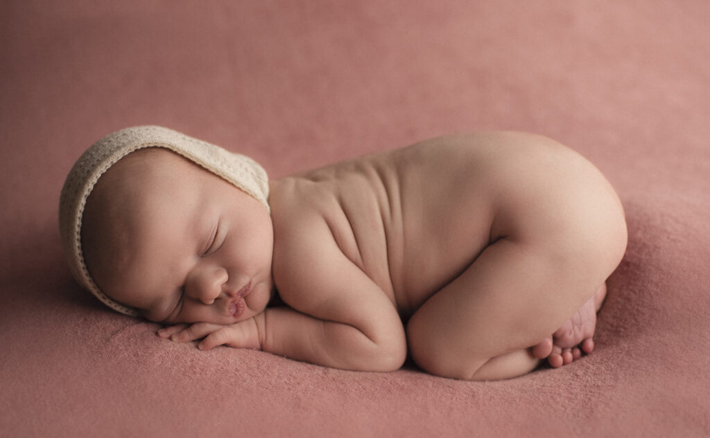 Nyföddfotografering Stockholm Uppsala - En liten Hailey 3