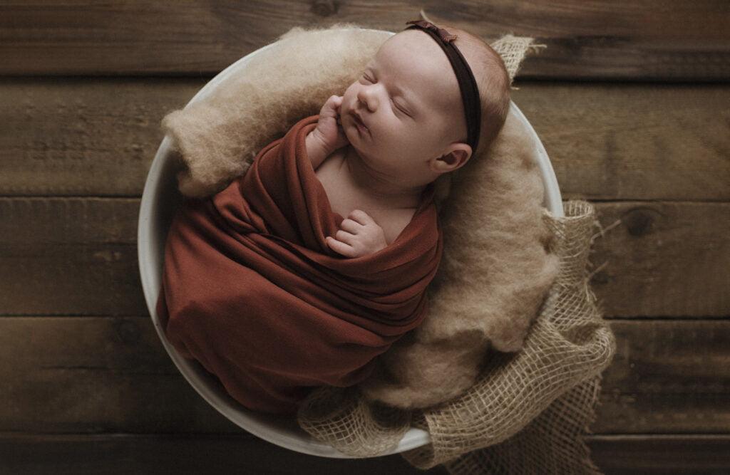 Nyföddfotografering Stockholm Uppsala - En liten Hailey 5
