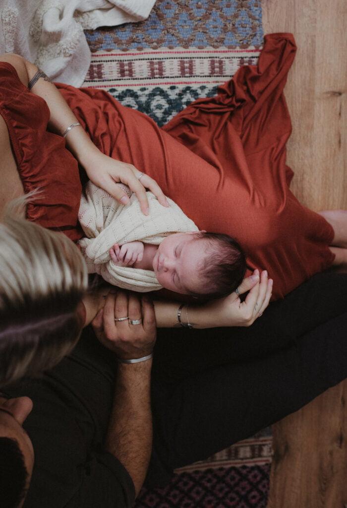 Nyföddfotografering Stockholm - Träffa Navy på 3 veckor 15