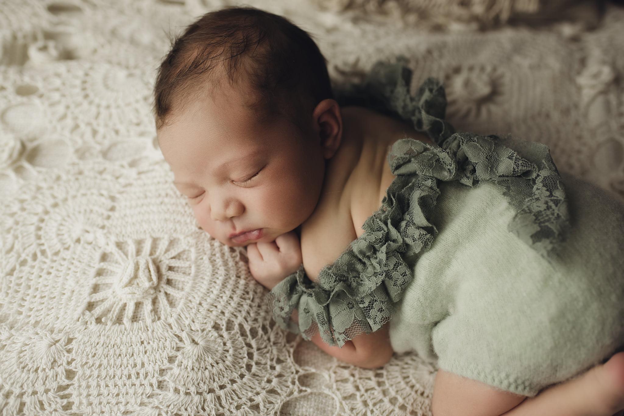 Nyföddfotografering Stockholm - Celine 1