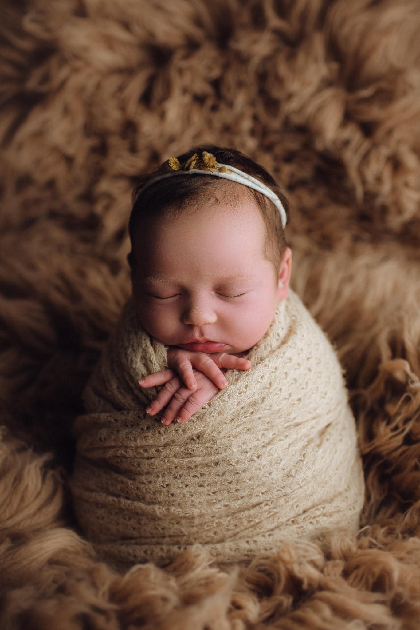 Nyföddfotografering Tjuvkik 1