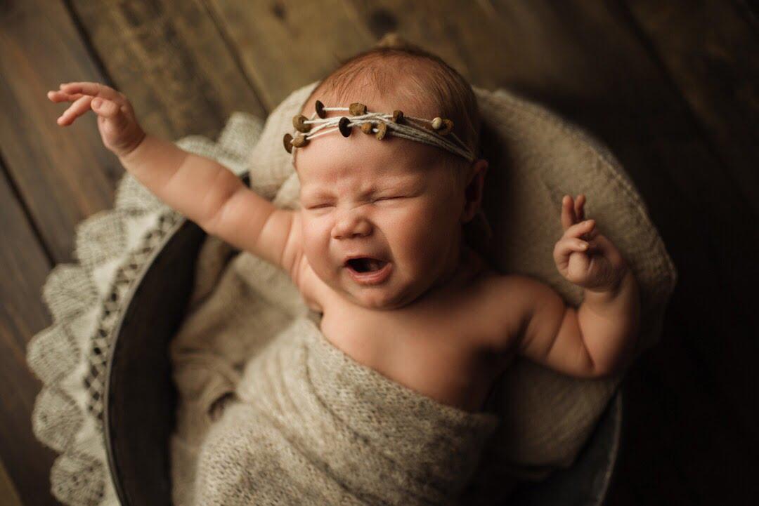 En tjuvkik - Juline Nyföddfotografering 1