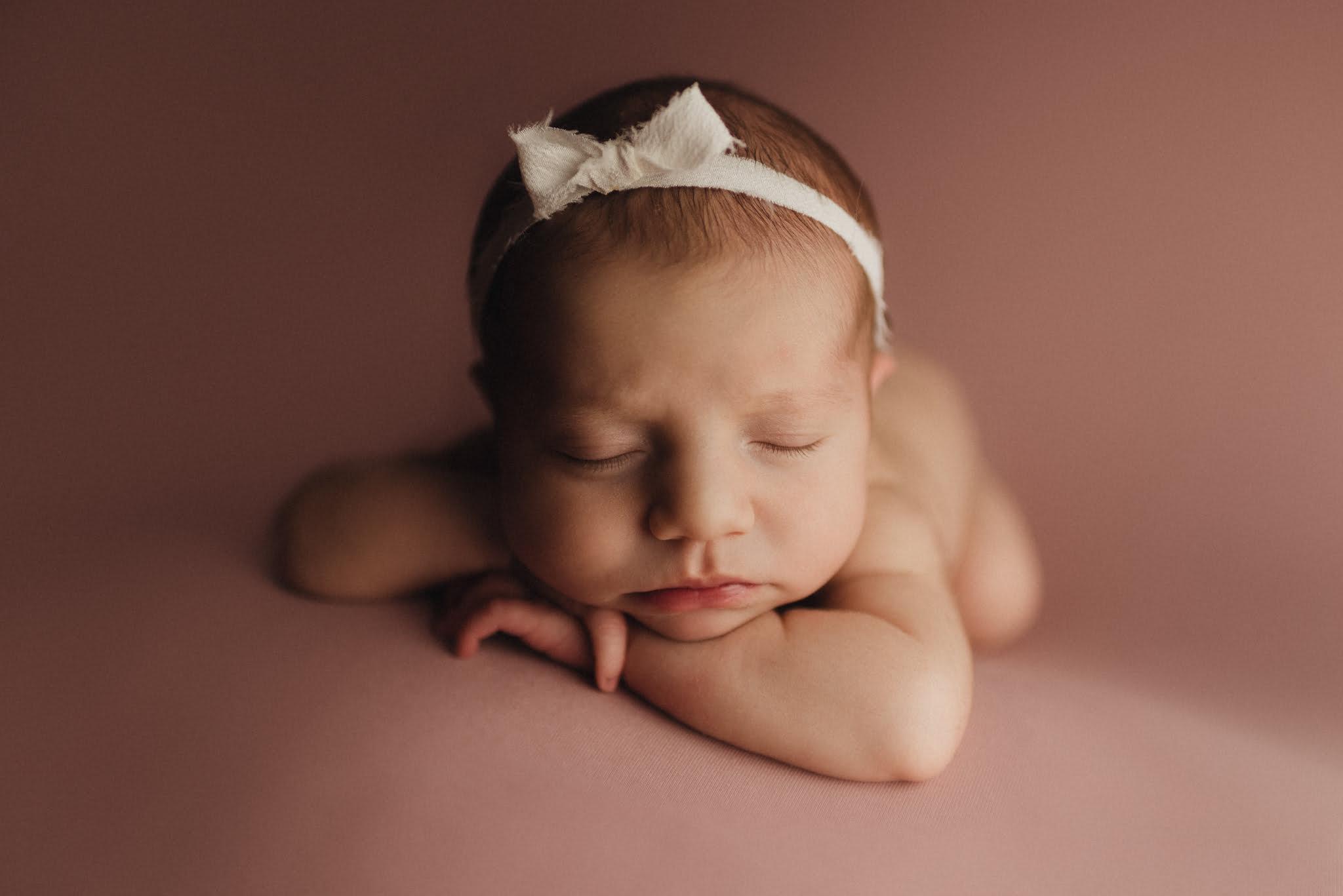En mysig nyföddfotografering med Neia 11
