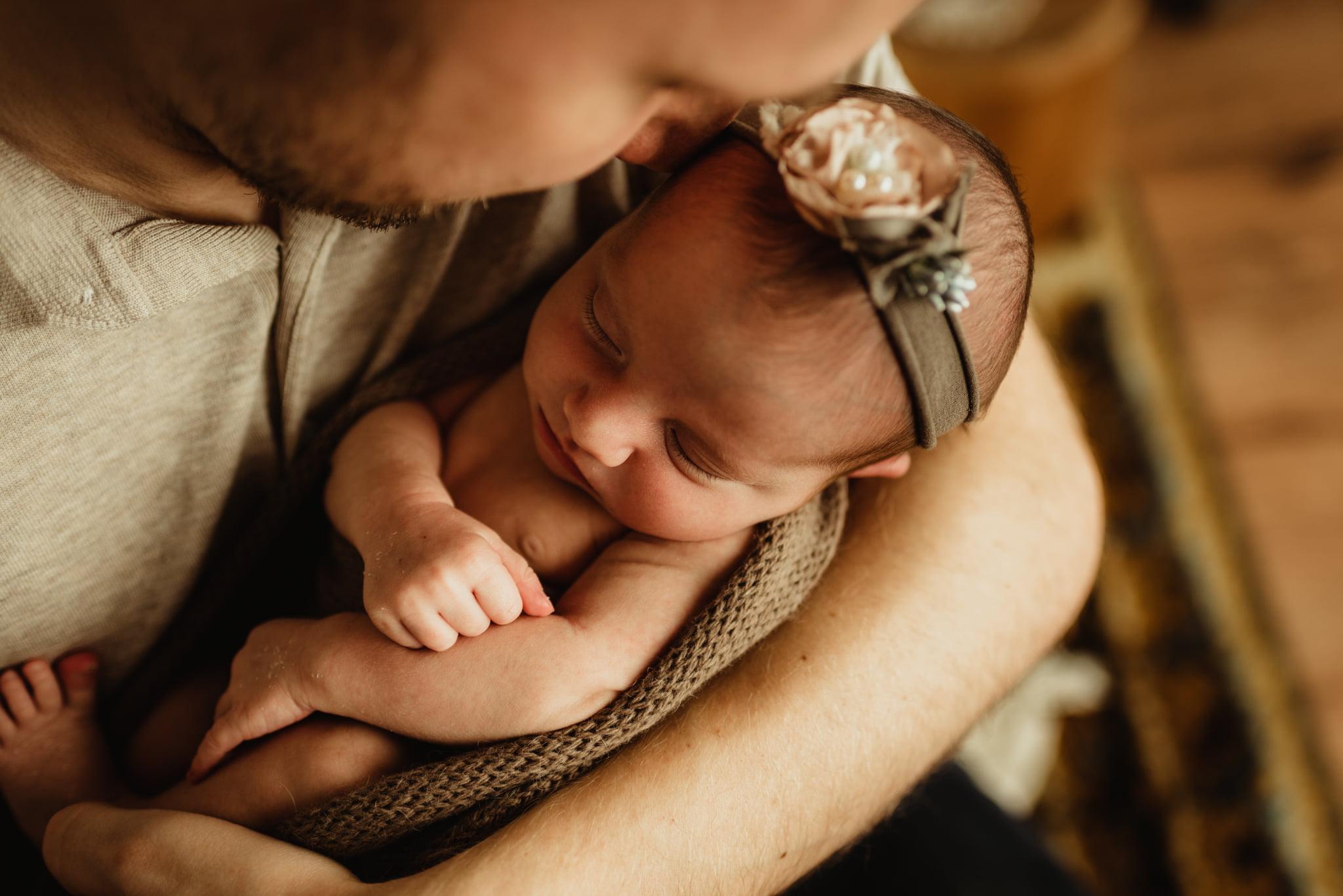 En mysig nyföddfotografering med Neia 15