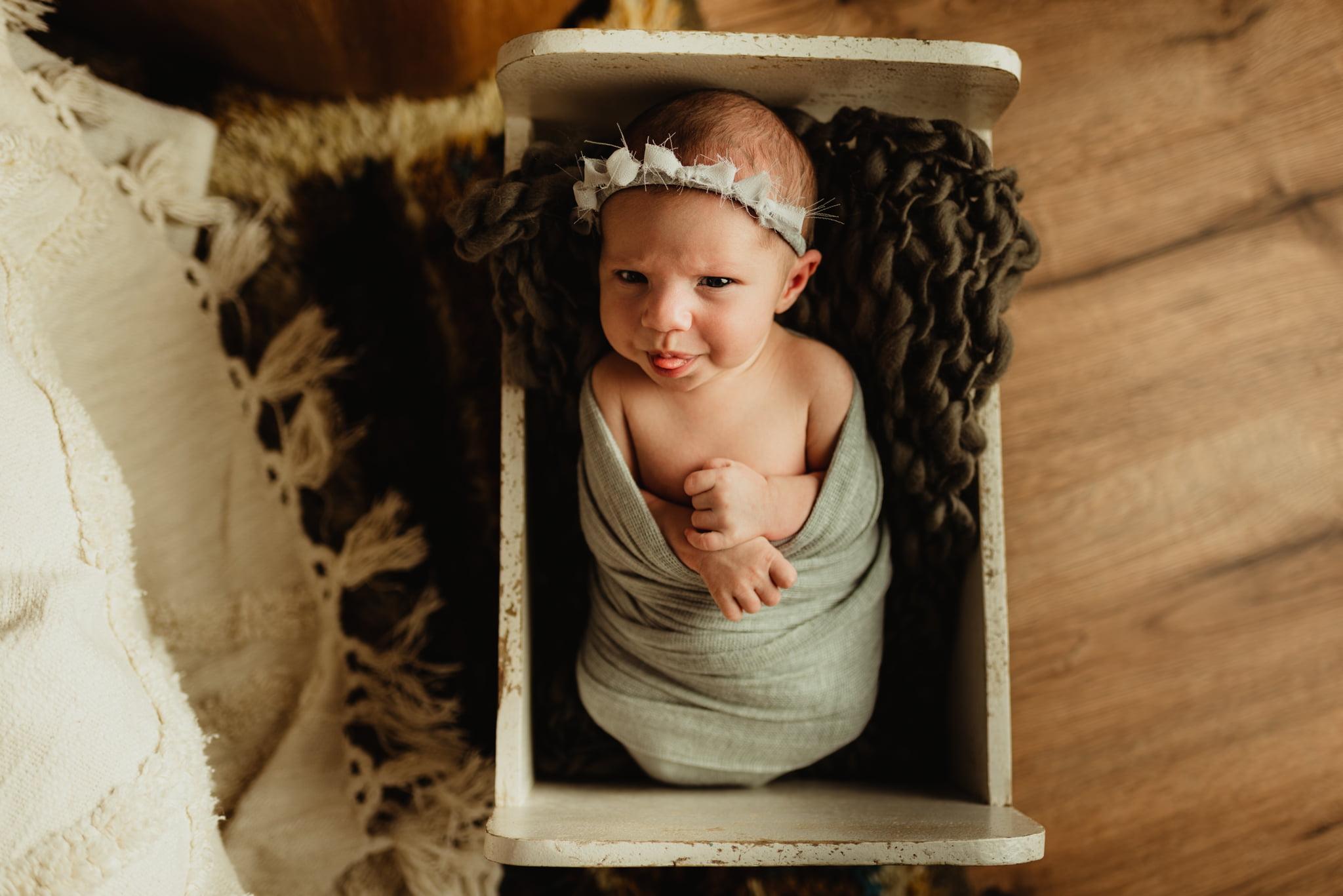 En mysig nyföddfotografering med Neia 18