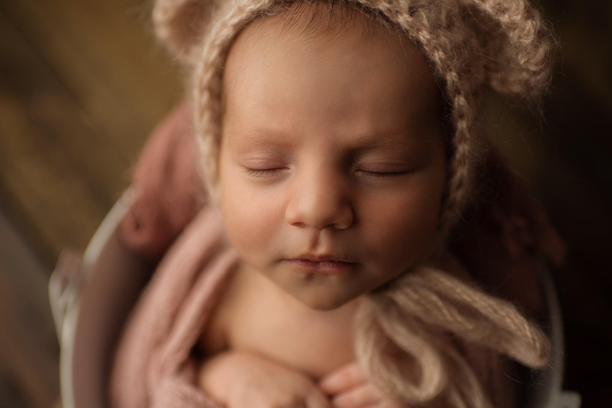 En mysig nyföddfotografering med Neia 3