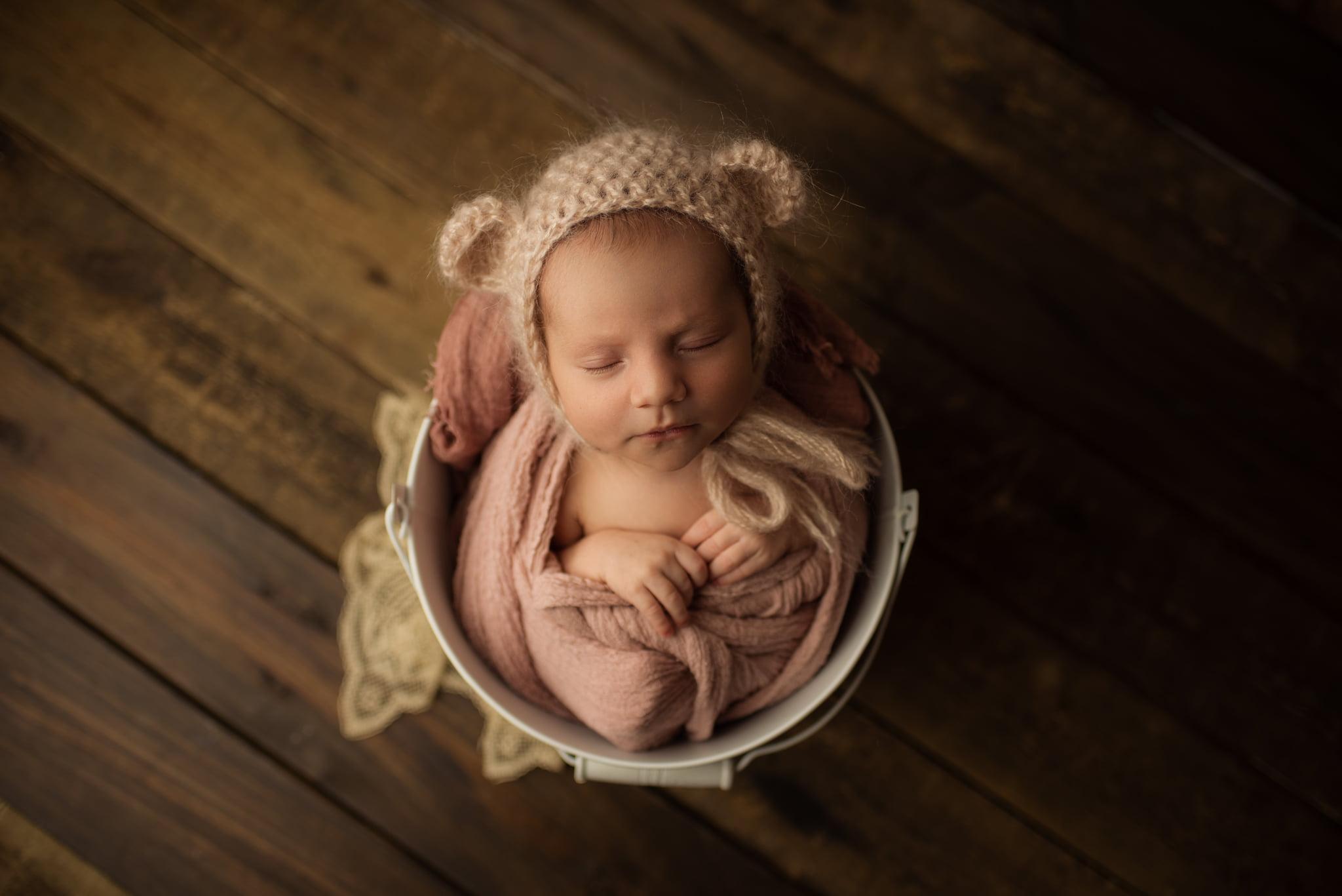 En mysig nyföddfotografering med Neia 4
