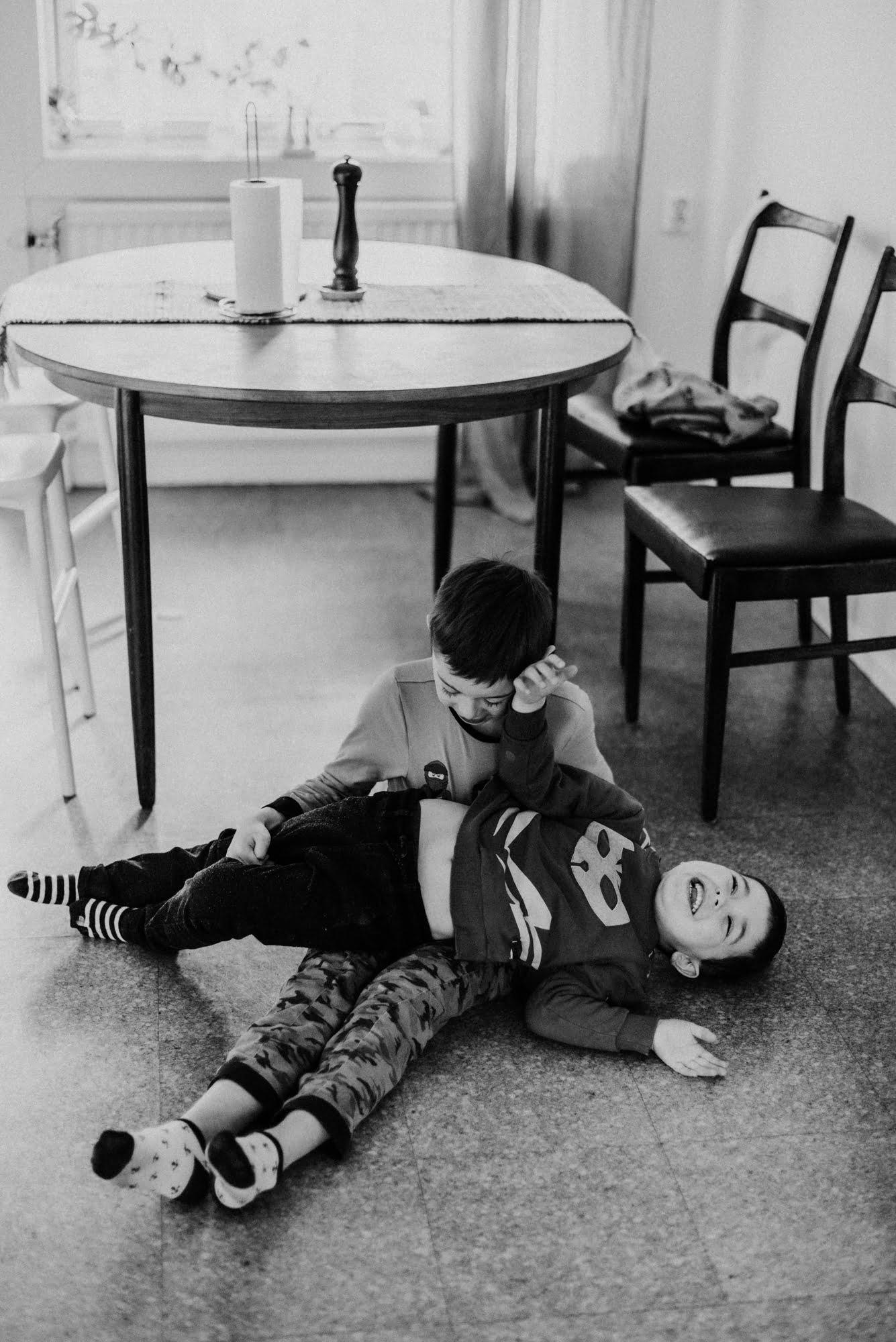 Detta med att att vara Lillebror men stor. Lillebrorstor. 2